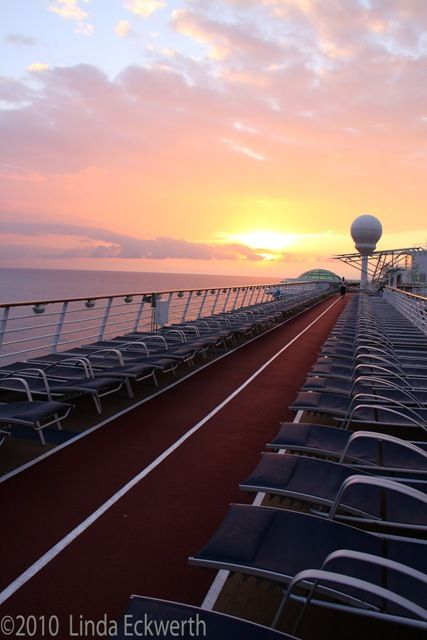 RCCL's Independence of the Seas
