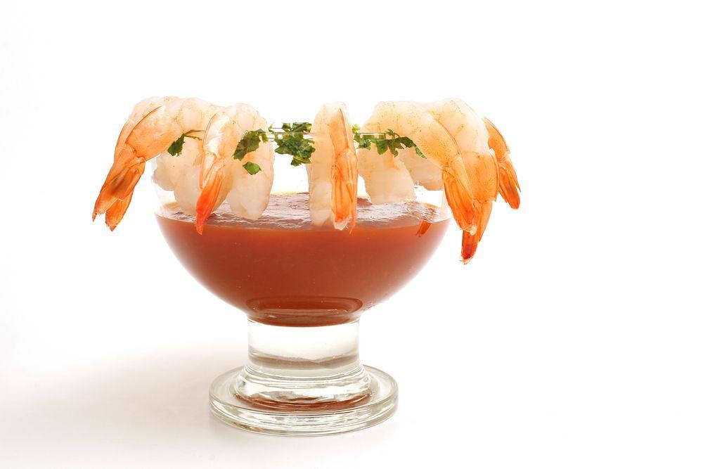 Para esta temporada de Cuaresma, yo les recomiendo las famosas camaroneras,  que no es más que una michelada pero el ingrediente secreto es..... marisco, así es. ¡Espero que les guste!