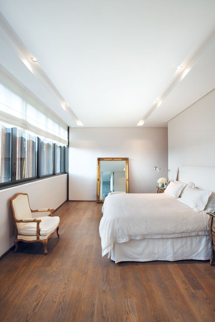 Off-whites and nudes dominate the bedrooms In the master bedroom