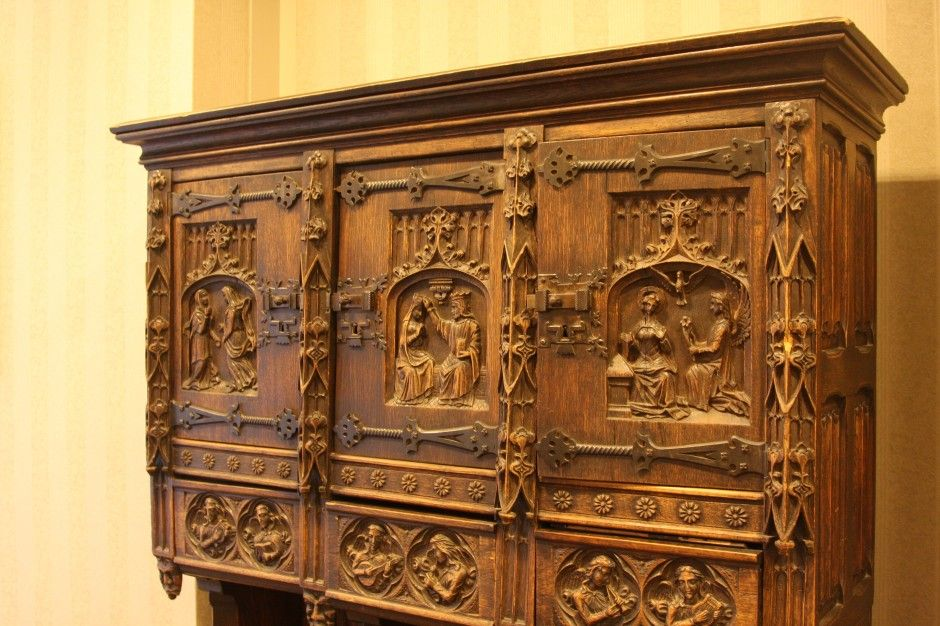 Exceptionnel Wood Carved Furniture