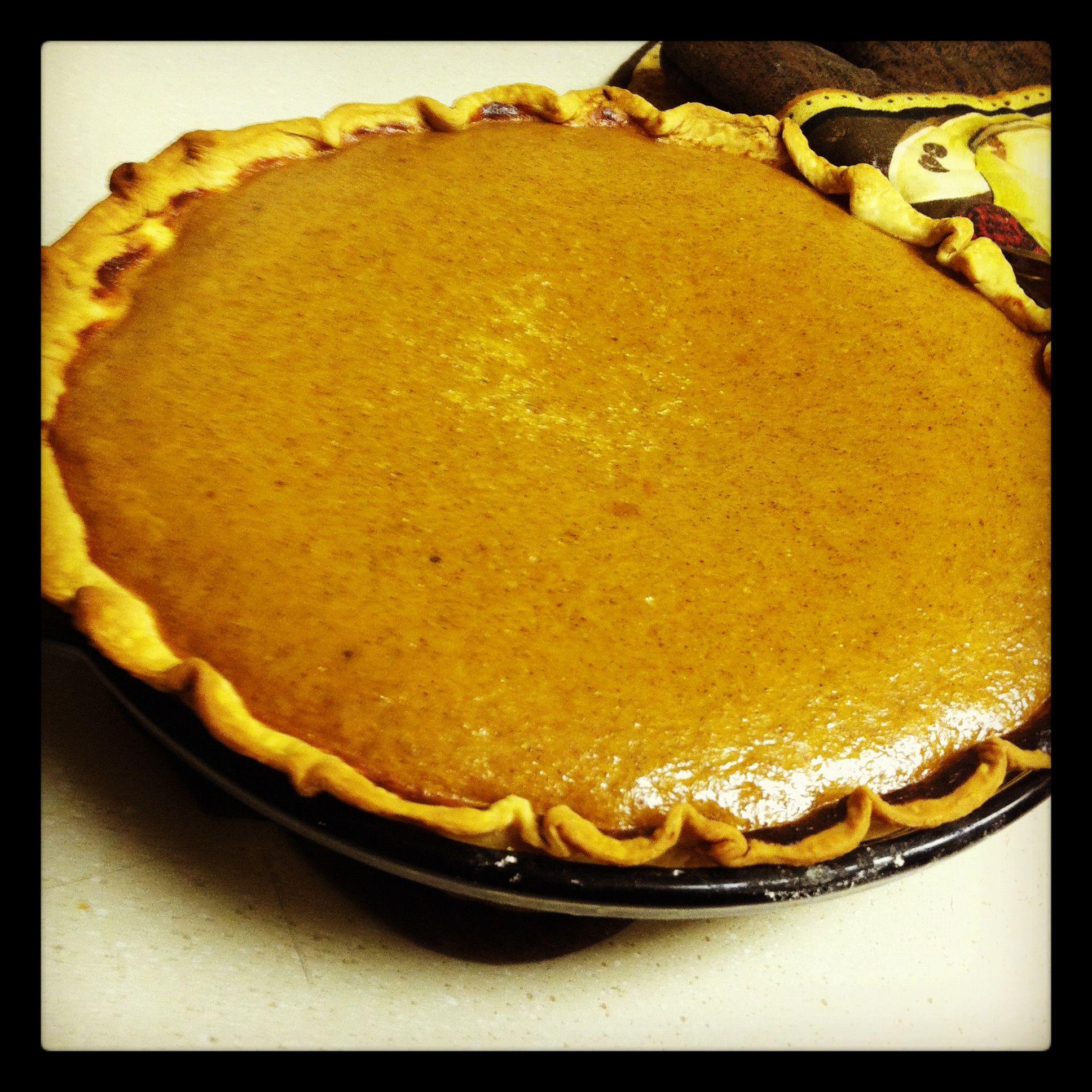 http://m.allrecipes.com/recipe/13711/recipehomemade-fresh-pumpkin-pie All recipes is my favorite go to cook book!