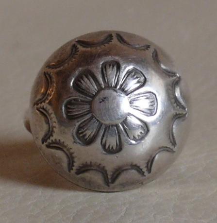 Austin Wilson Navajo Hollow Form Silver Ring, circa 1930s-1940s