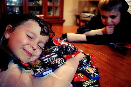 Tame the Halloween Beast: 6 Tips for Managing the Halloween Candy Haul