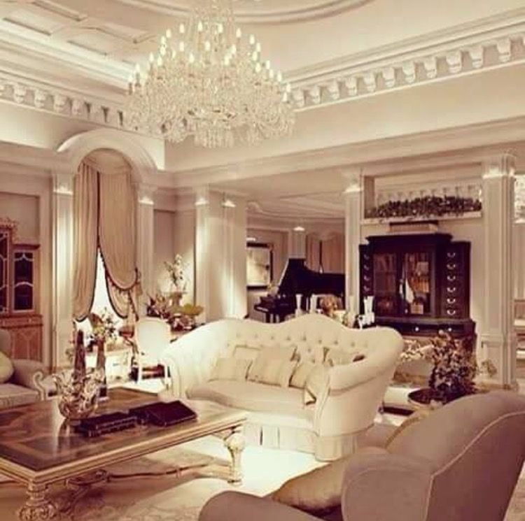 High End Decorative Living Room European Style Luxury: Elegantly Appointed Sitting Room With Beautiful