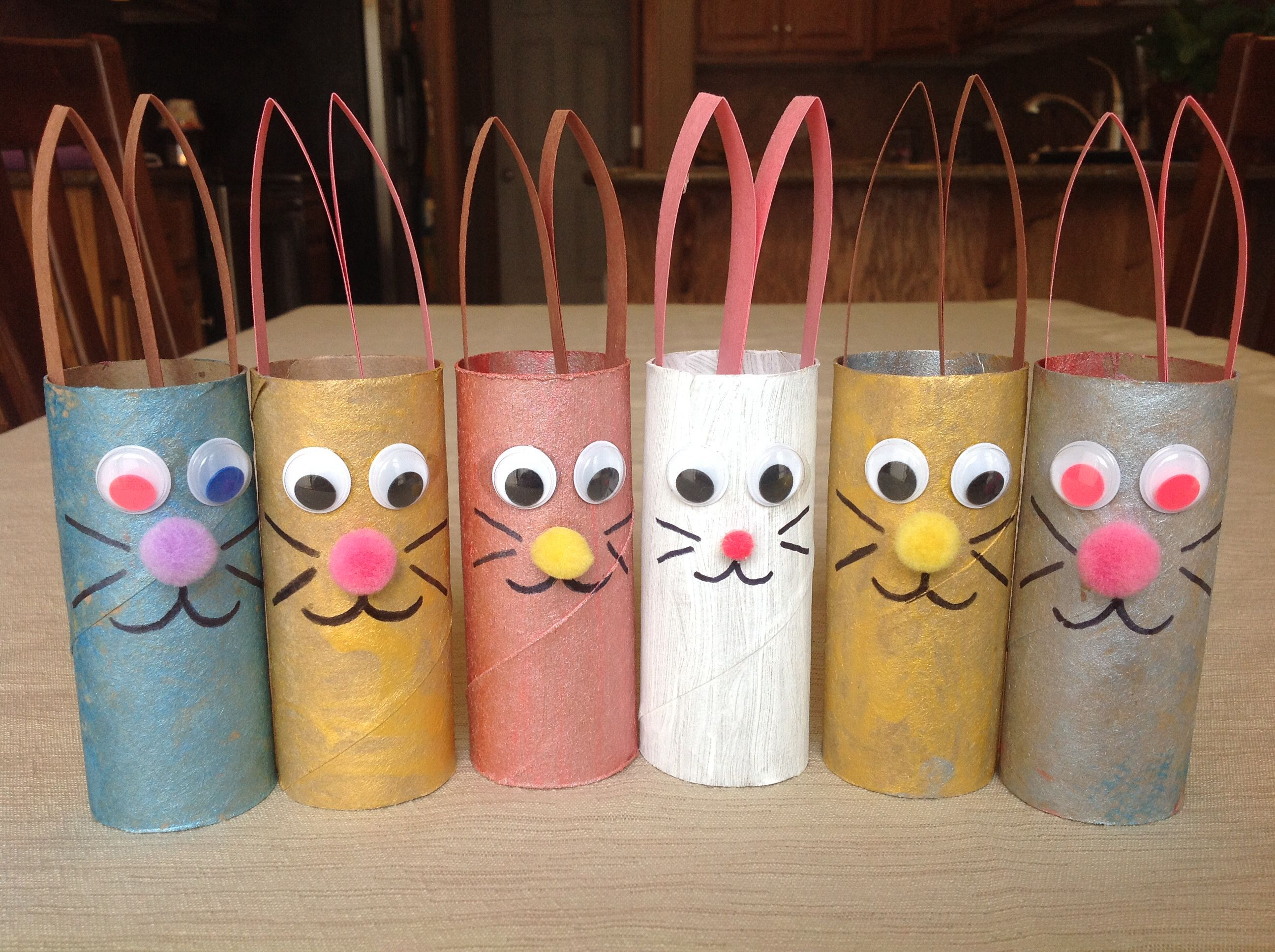 Easter craft using toilet paper rolls toilet paper roll for Crafts that use toilet paper rolls