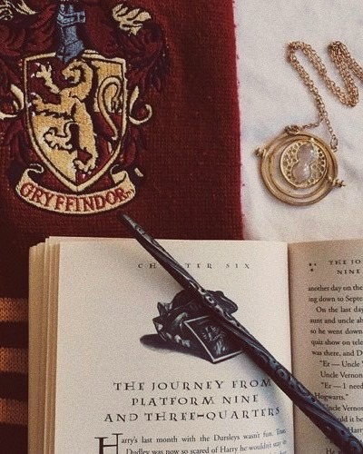 Aesthetics Requests Closed Aesthetic Gryffindor Entp Pisces Sun Cancer Gryffindor Aesthetic Harry Potter Aesthetic Harry Potter Wallpaper