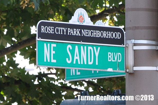 Ne Sandy Blvd In The Rose City Park Neighborhood In Portland Oregon Rose City Park City The Neighbourhood