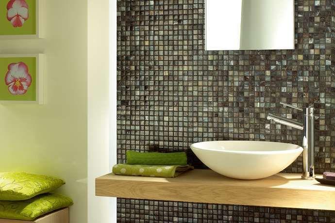 moderni con mosaico - Rivestimenti per bagno