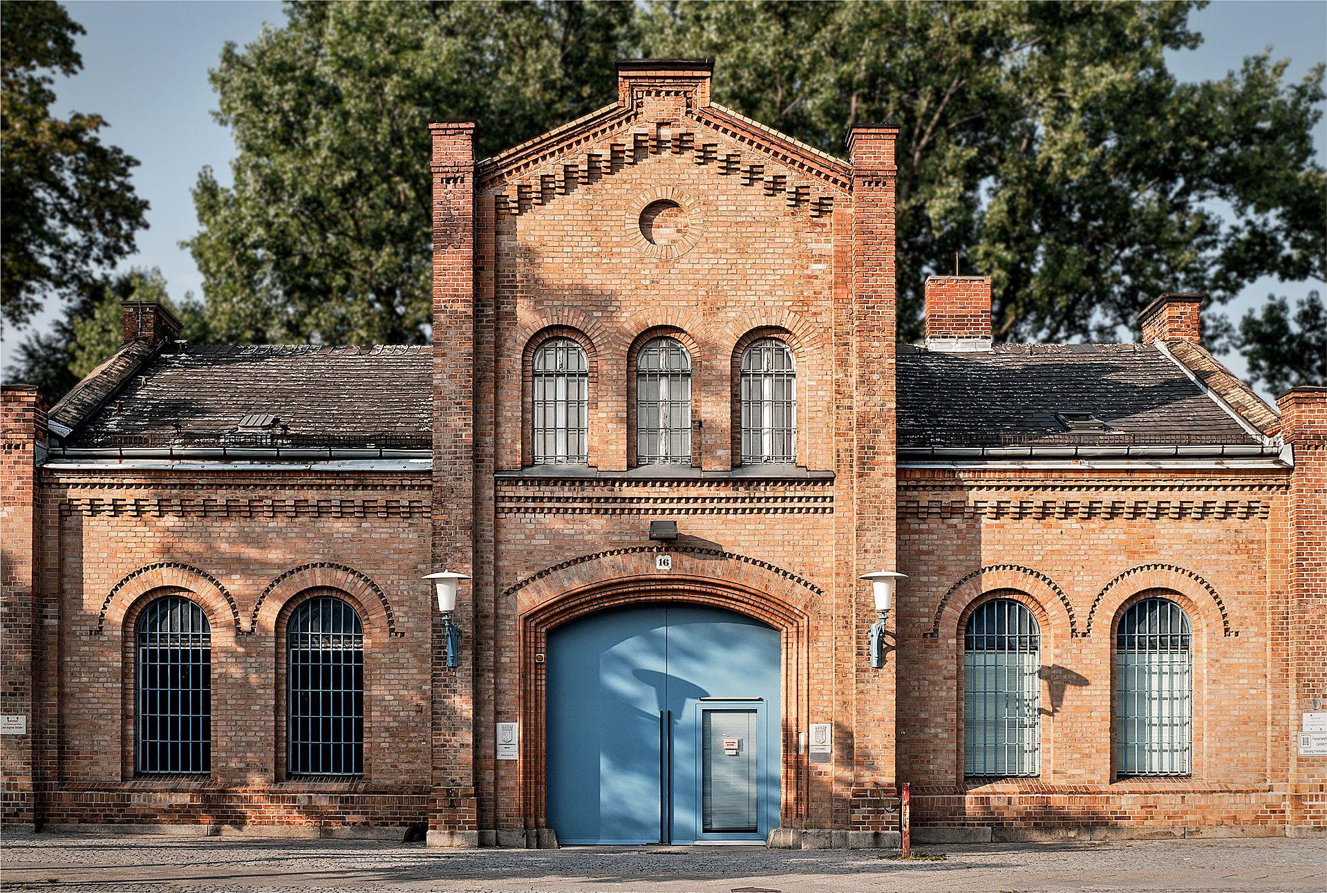 JSA (Jugendstrafanstalt) Plötzensee Pforte - Prison de Plötzensee — Wikipédia