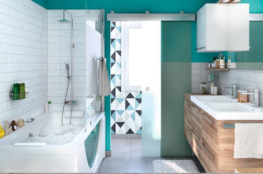Un baño de diseño con todas las comodidades para toda la ...