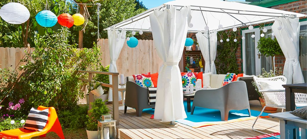 idea for our outdoor eating section love the ikea chairs and pillows and matches my turquoisered color scheme azoteas pinterest red color schemes
