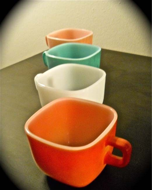 Vintage Pyrex Coffee Mugs Dishes Other Kitchen Items