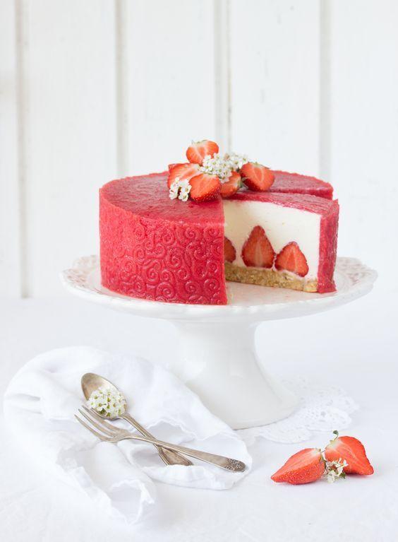 Erdbeer Ricotta Torte