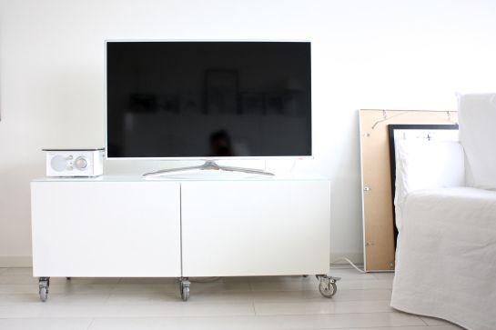 homevialaura | Ikea Bestå | Samsung TV | Paola Navone Gervasoni Ghost Chair
