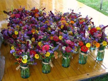 Mason jars with Costco mini bouquet. LOVE. IT. | When I get to ...
