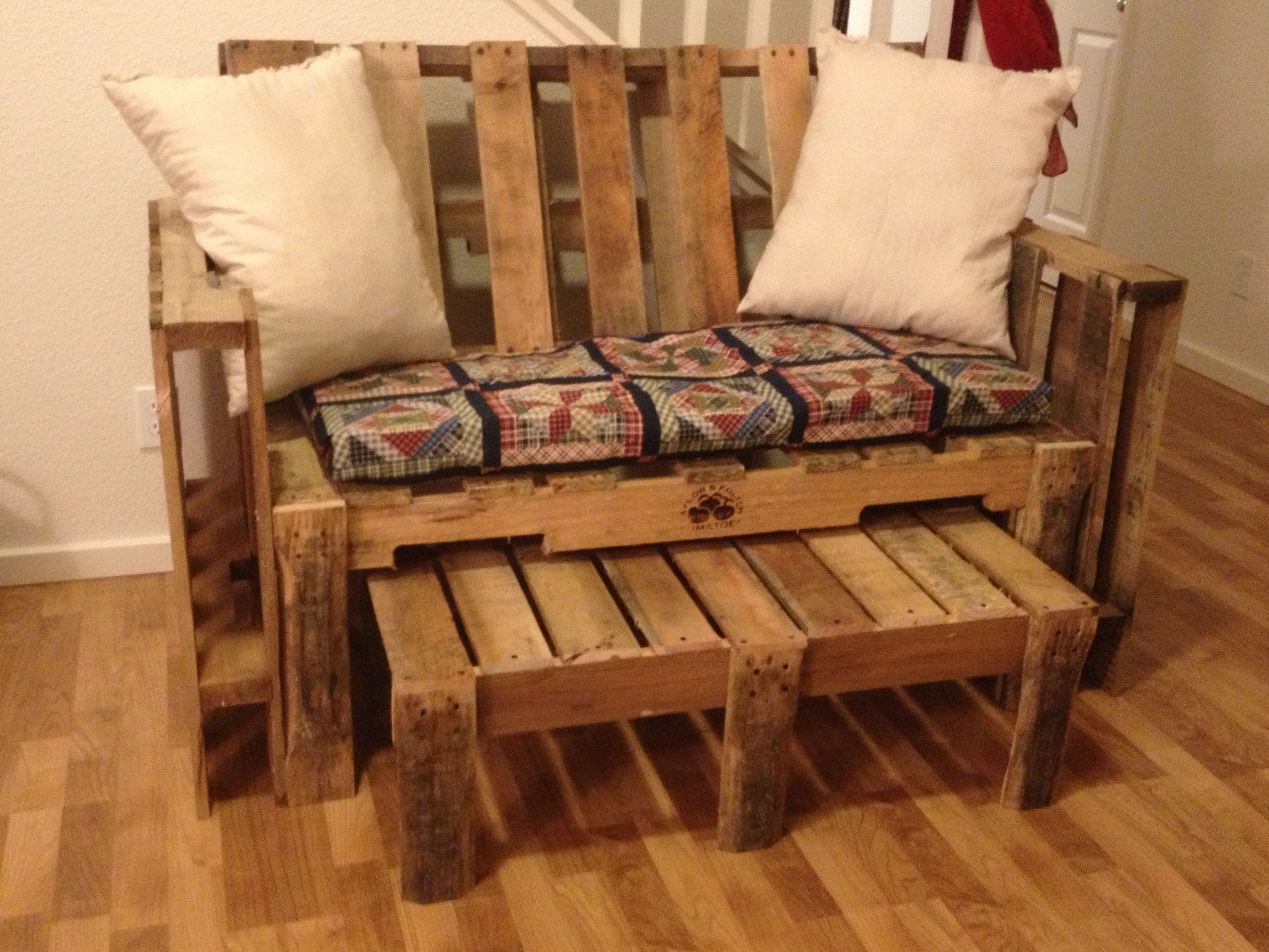 Our pallet couch with homemade cushions #palletcouch | No ...