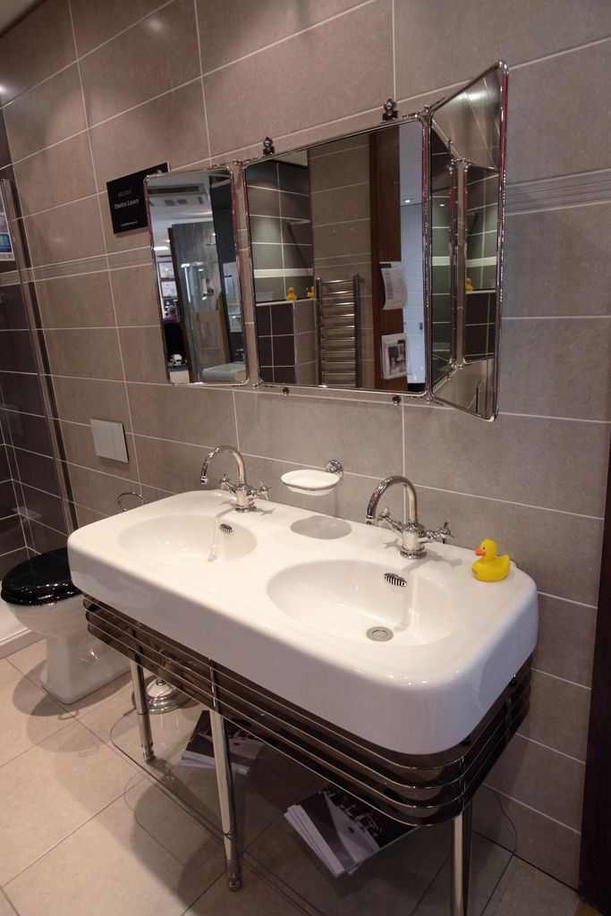 Beverley showroom halmshaws of hull beverley bathroom suppliers plumbing merchants and glass