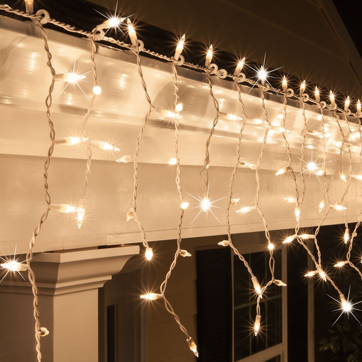 low voltage interior lighting kits%0A Twinkling Outdoor Icicle Lights