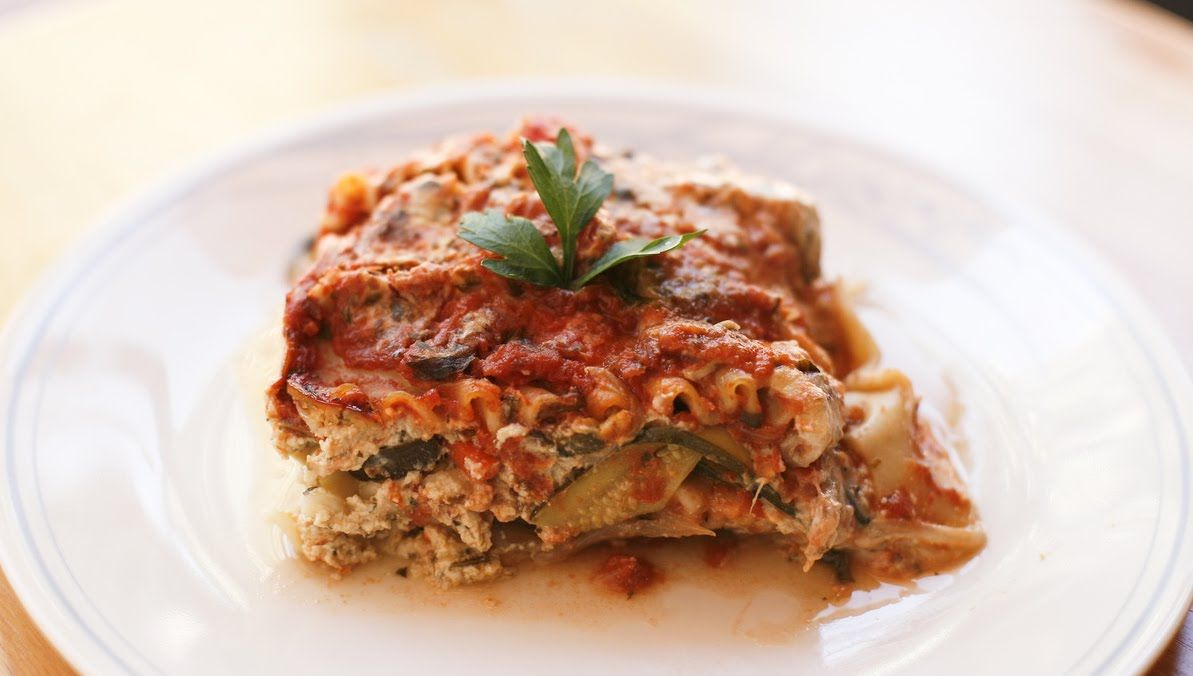 *Vegan* Spinach Lasagna with Herbed Tomato Sauce and Tofu Ricotta