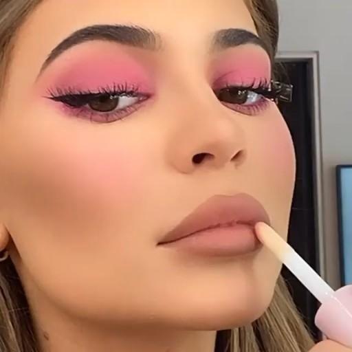 Kylie Cosmetics koko k Gloss pale pink  Definitely try it ❤️ https://amzn.to/3a1TVgv