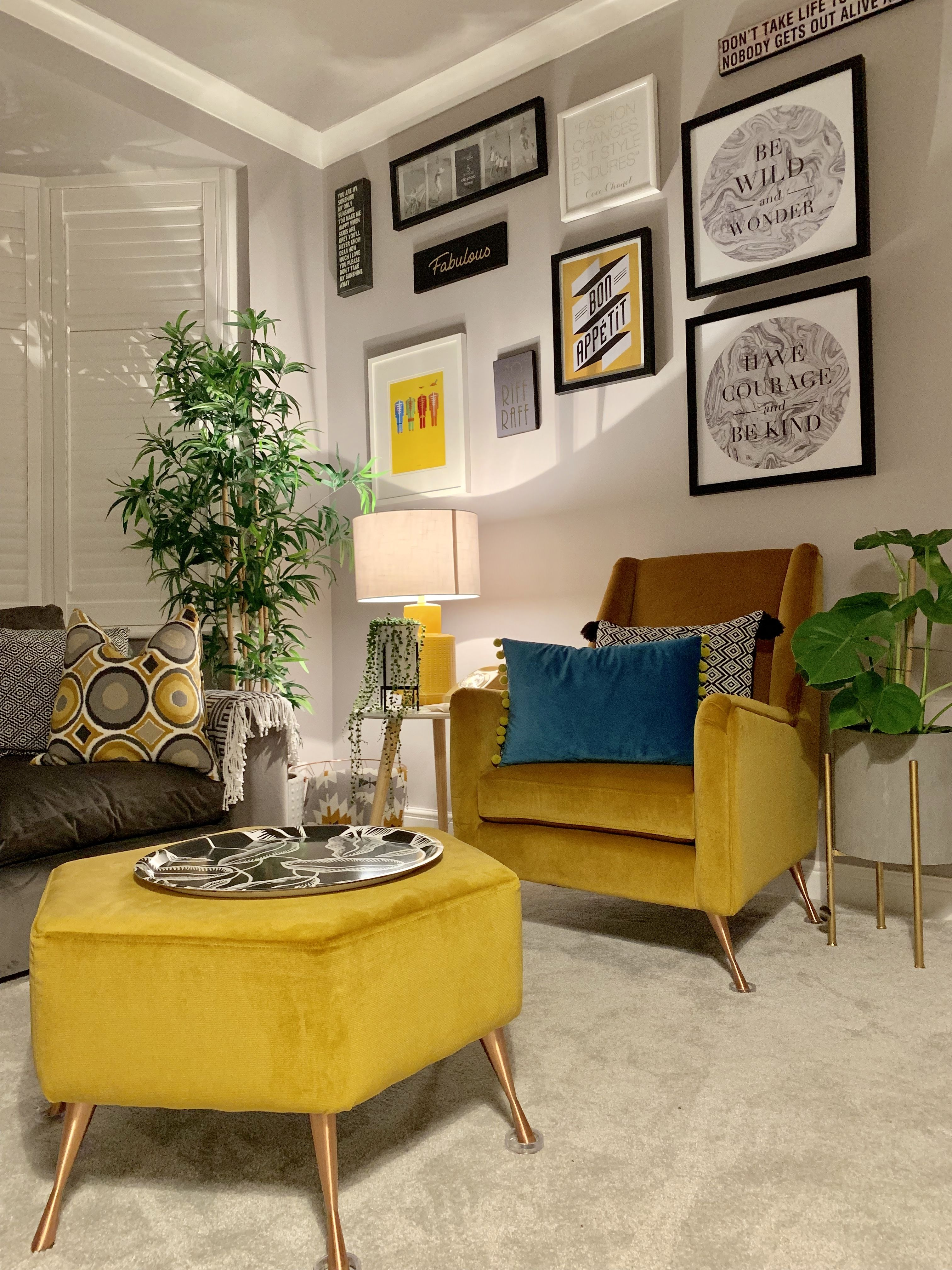 Mustard Living Room Decor: Pin By Billie Thomas On Decor In 2019
