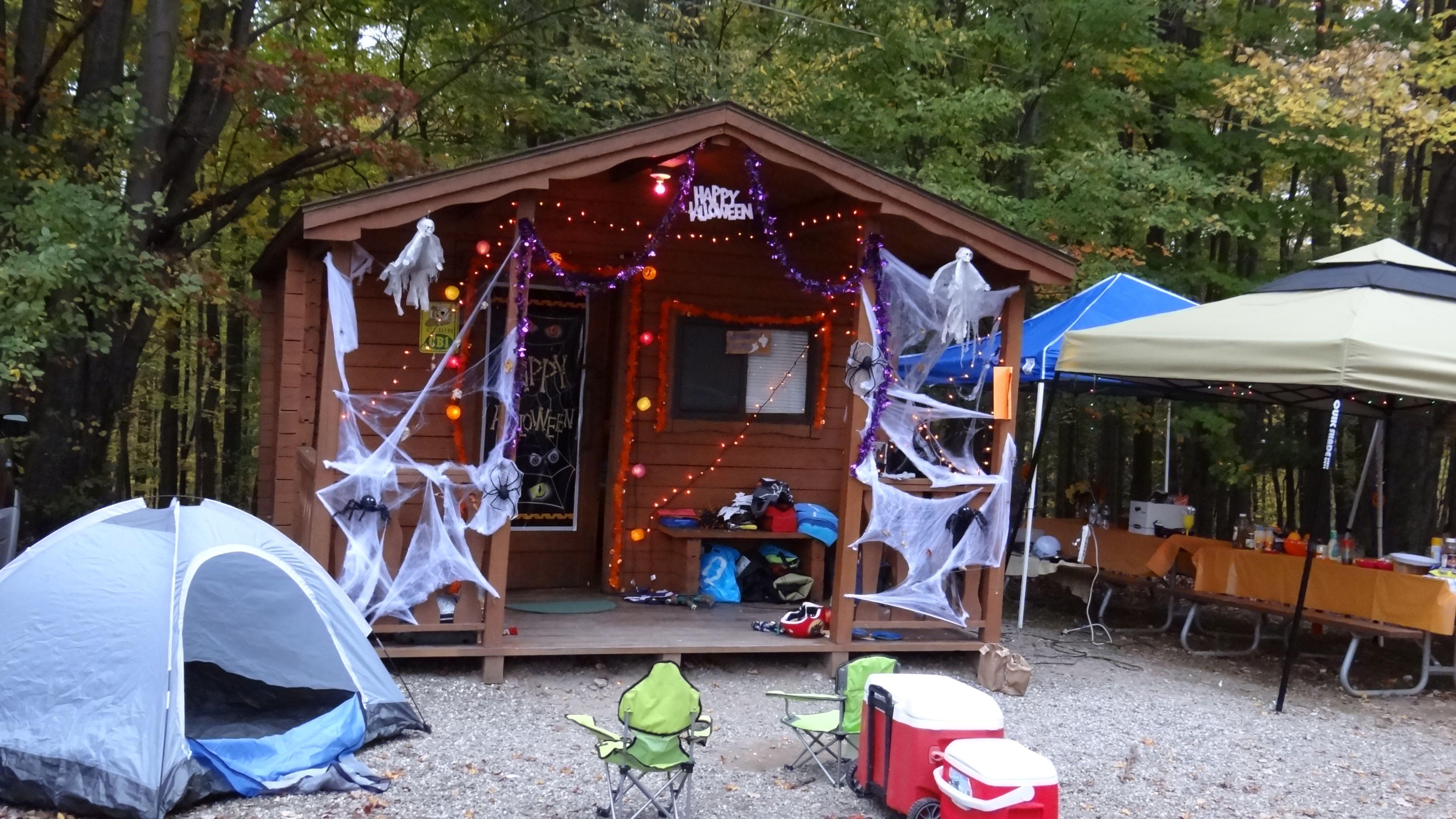 Halloween Cabin Decorating At Jellystone Park, Woodridge NY  Www.nyjellystone.com #Jellystone