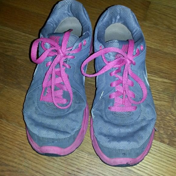 Nike tennis shoes Pink and gray nike tennis shoes fair condition Nike Shoes Sneakers