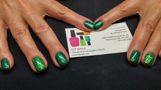 Gel nails with mylar