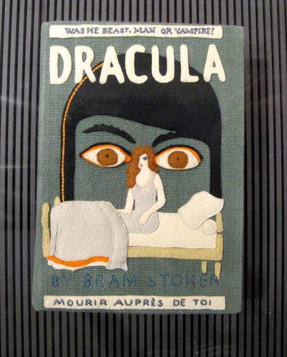 Los bolsitos-libro de Olympia Le-Tan by Fotogramática, via Flickr