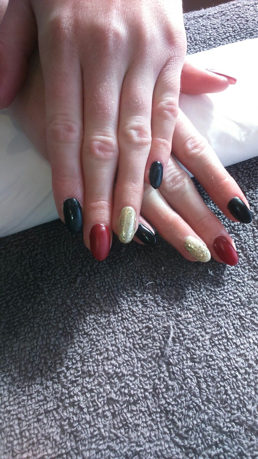 Matter red and black nails with gold glitter #nails #matte | Hair ...