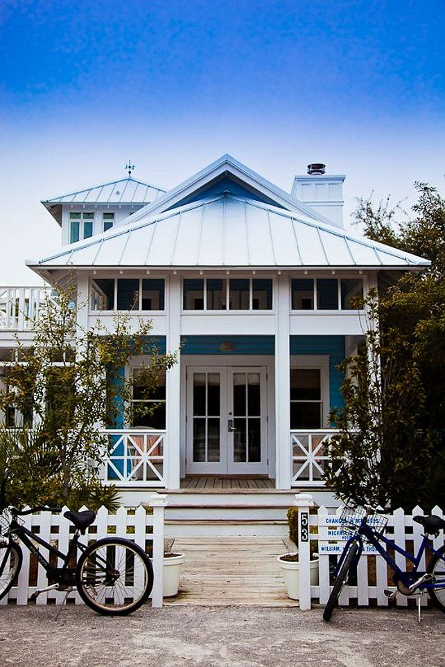 Dream Beach Cottage With Neutral Coastal Decor: Beach Cottage With Picket Fence. Michael Allen Photography