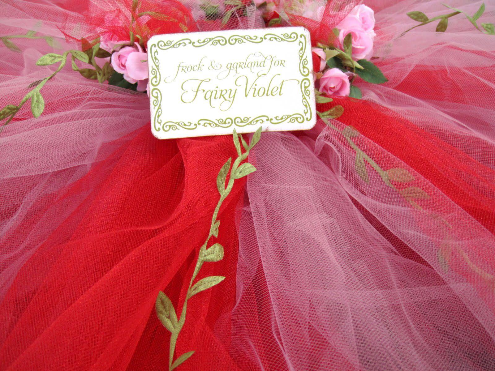 Image from http://gaby.fachrul.com/img/partyideas/fairy-birthday-party-ideas-wallpaper/photos-and-ideas-of-a-beautiful-woodland-fairy-birthday-party1600-x-1200-296-kb-jpeg-x.jpg.