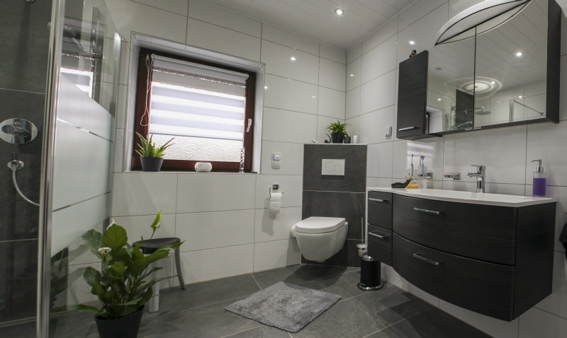 Neues Bad neues bad in zeitlosem weiß zukünftige projekte wc
