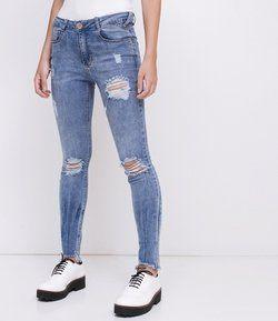 7a5c72c3b Calça Skinny Jeans com Barra Desfiada em 2019 | Products | Jeans ...