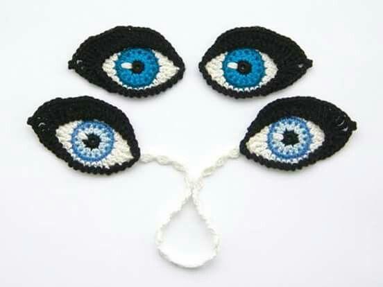 Ojos bordados