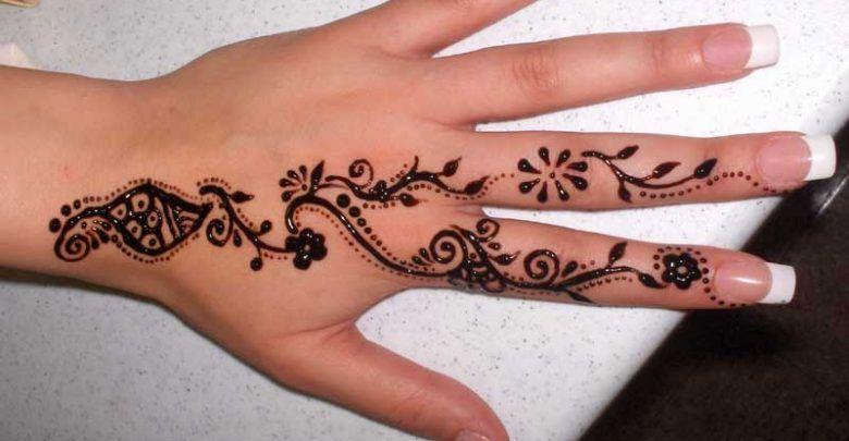 ۴۰ نقش حنا ساده و زیبا روی دست Charm Bracelet Tattoo Henna Hand Tattoo Hand Henna