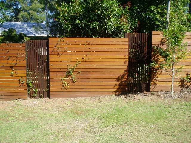 Fence · Balau Timber Horizontal Oiled and Vertical Stained Panels