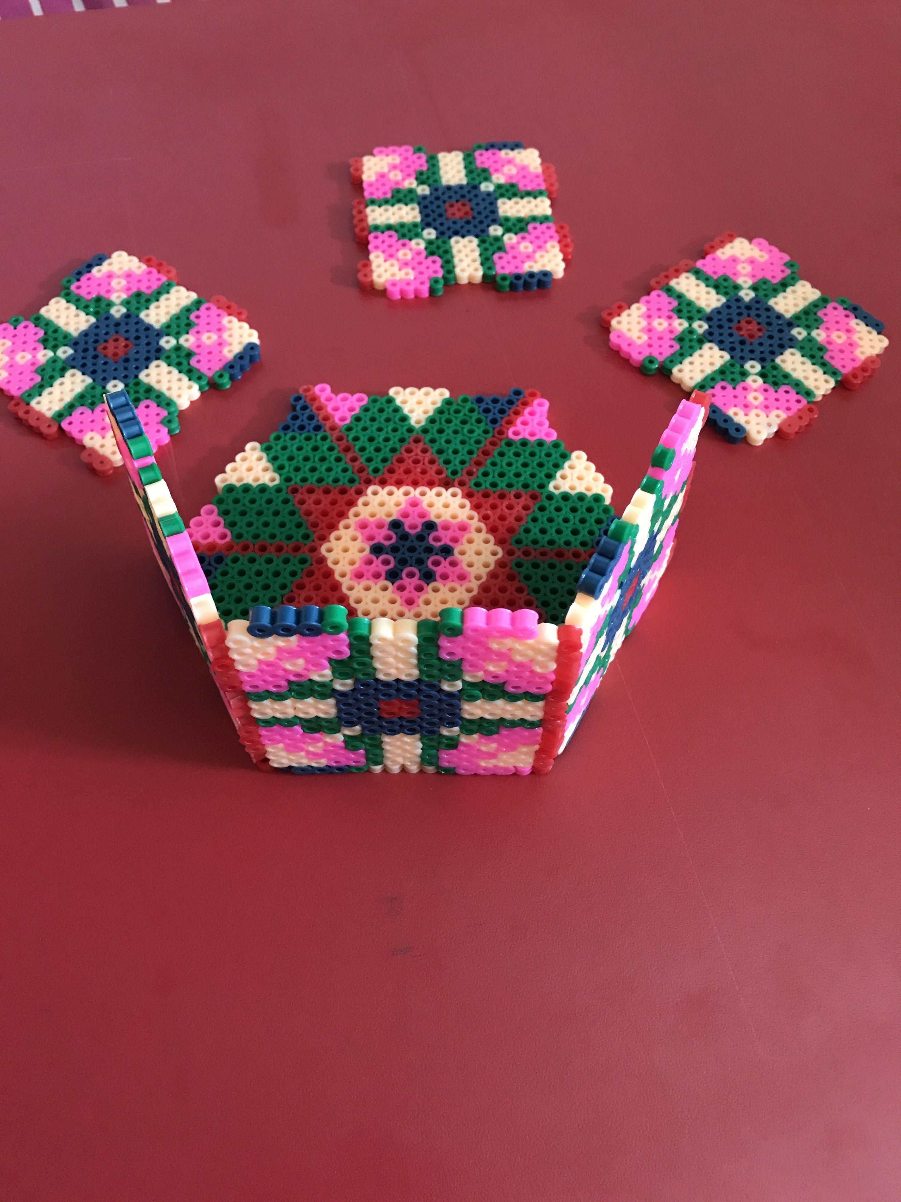 hexágono hecho con hama beads
