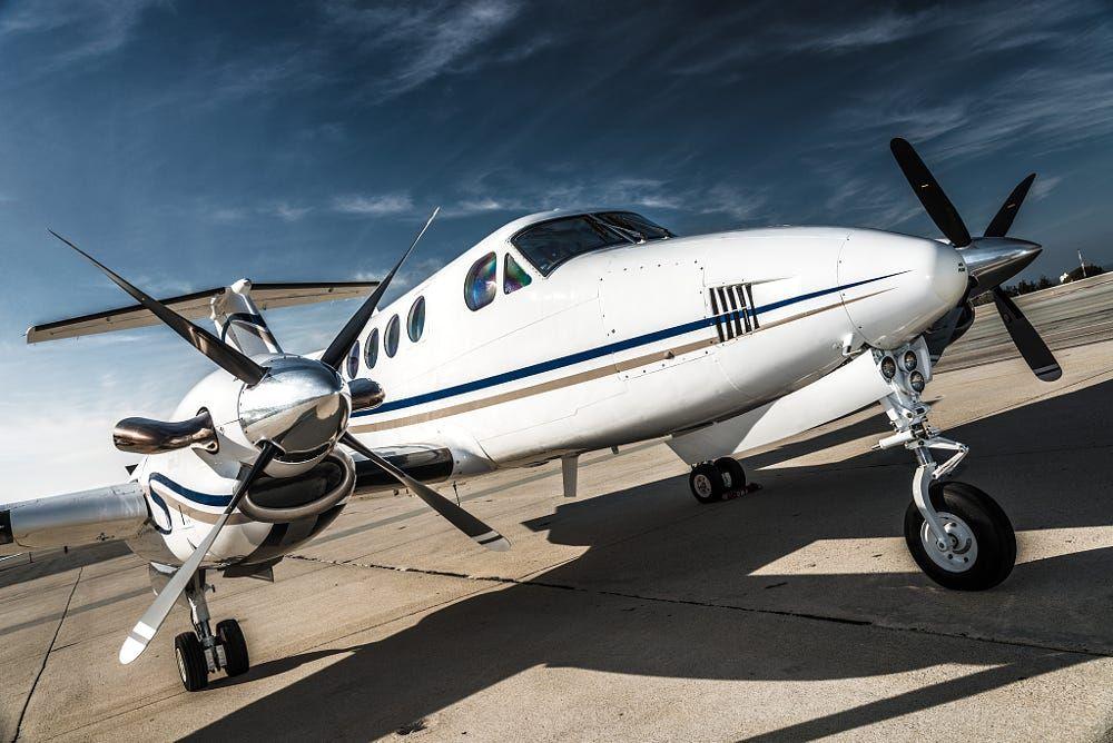 Beechcraft, King Air 200, N131TC by Tyson Rininger on
