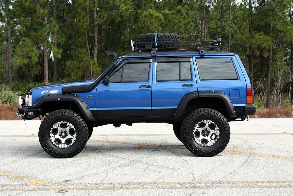 Side 1994 Jeep Cherokee XJ 4X4 cherokee xj Pinterest