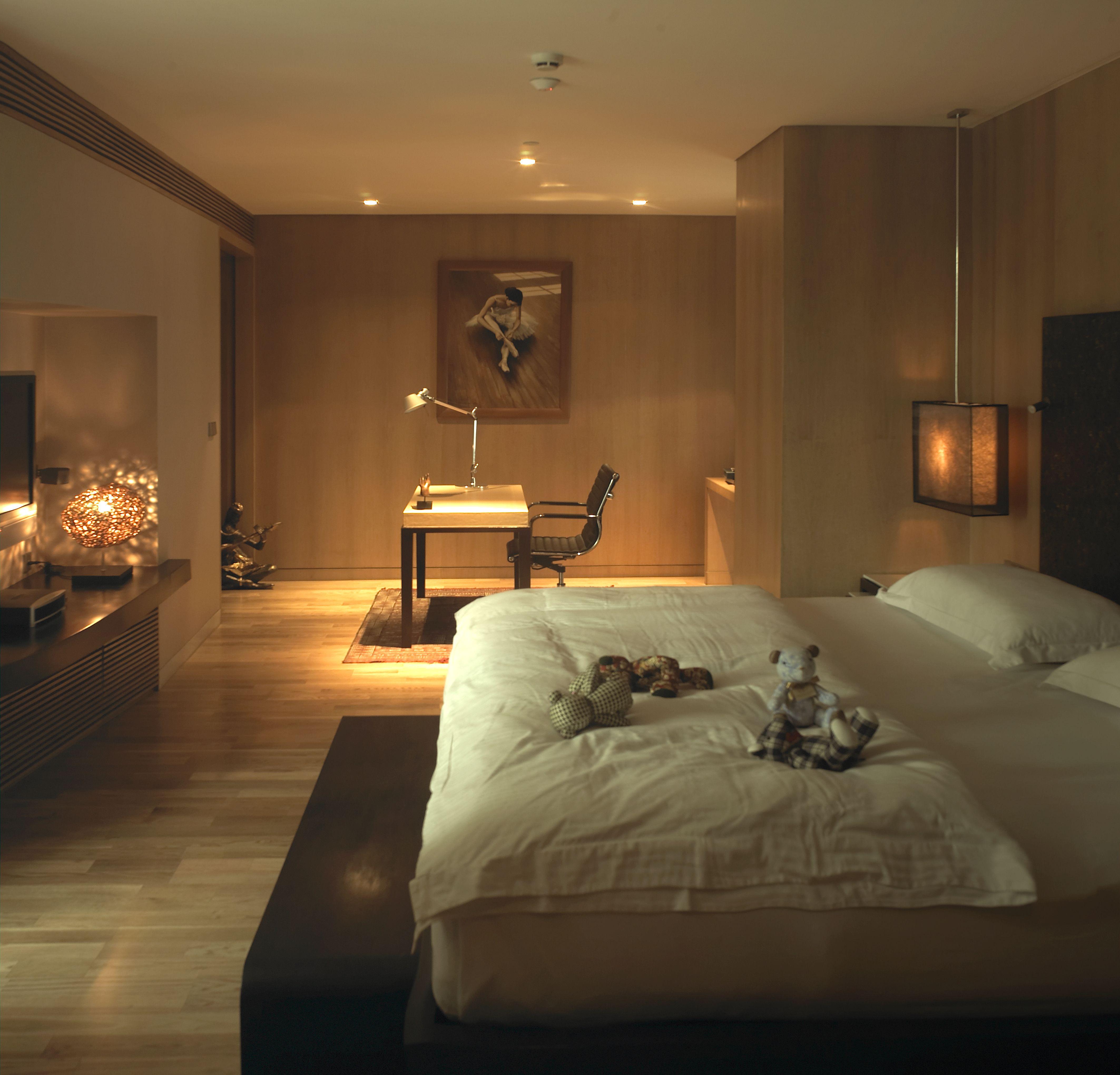 Ma Du Zi Hotel – Bedroom Suite  http://www.boutiquebangkok.com/bangkok/maduzi-hotel