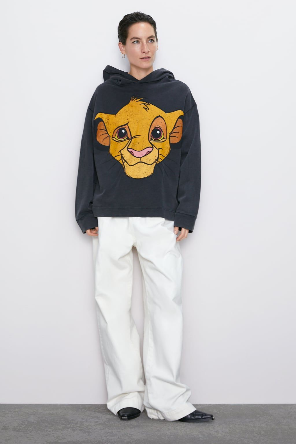 The Lion King C Disney Hoodie Hoodies Sweatshirts Woman Zara Greece Lion King Clothes Disney Hoodies Hoodies [ 1536 x 1024 Pixel ]
