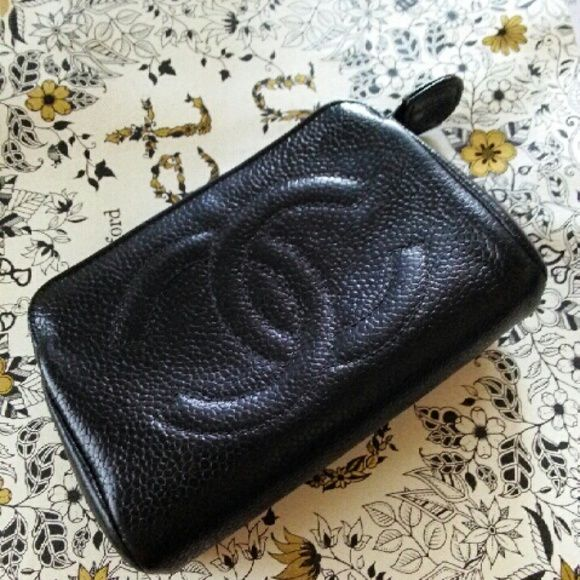 fab8da29d243 CHANEL coin purse Authentic vintage coin pouch. In GUC. Made of pebble  caviar grain