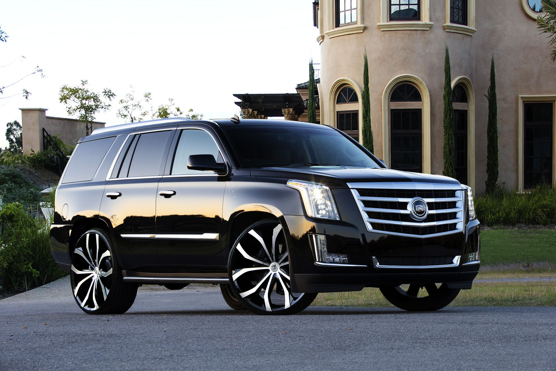Lexani wheels the leader in custom luxury wheels lust on the 2015 cadillac escalade tony already knows these are the wheels