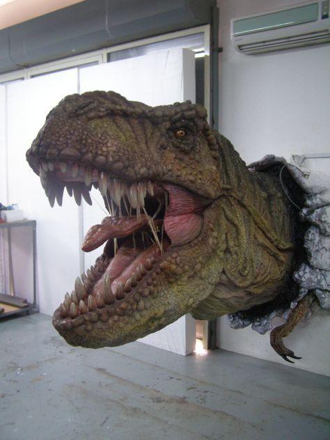 Real Dinosaurs T Rex real life sculp...
