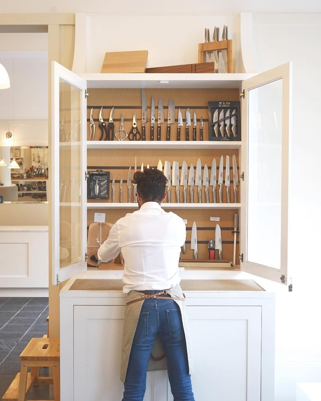 Located In Montrealu0027s Fashionable Outremont Neighborhood, Les Touilleurs Is  A High End Kitchen Emporium With A Working Demonstration Kitchen And An  Impecca