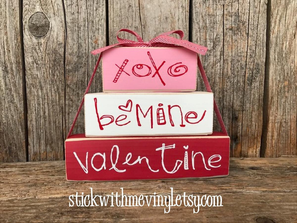 Valentine's day blocks, XoXo blocks, valentines day decor, heart sign, heart decor, Be MiNE blocks, LoVE you more sign, valentine stackers by stickwithmevinyl on Etsy https://www.etsy.com/listing/492509010/valentines-day-blocks-xoxo-blocks