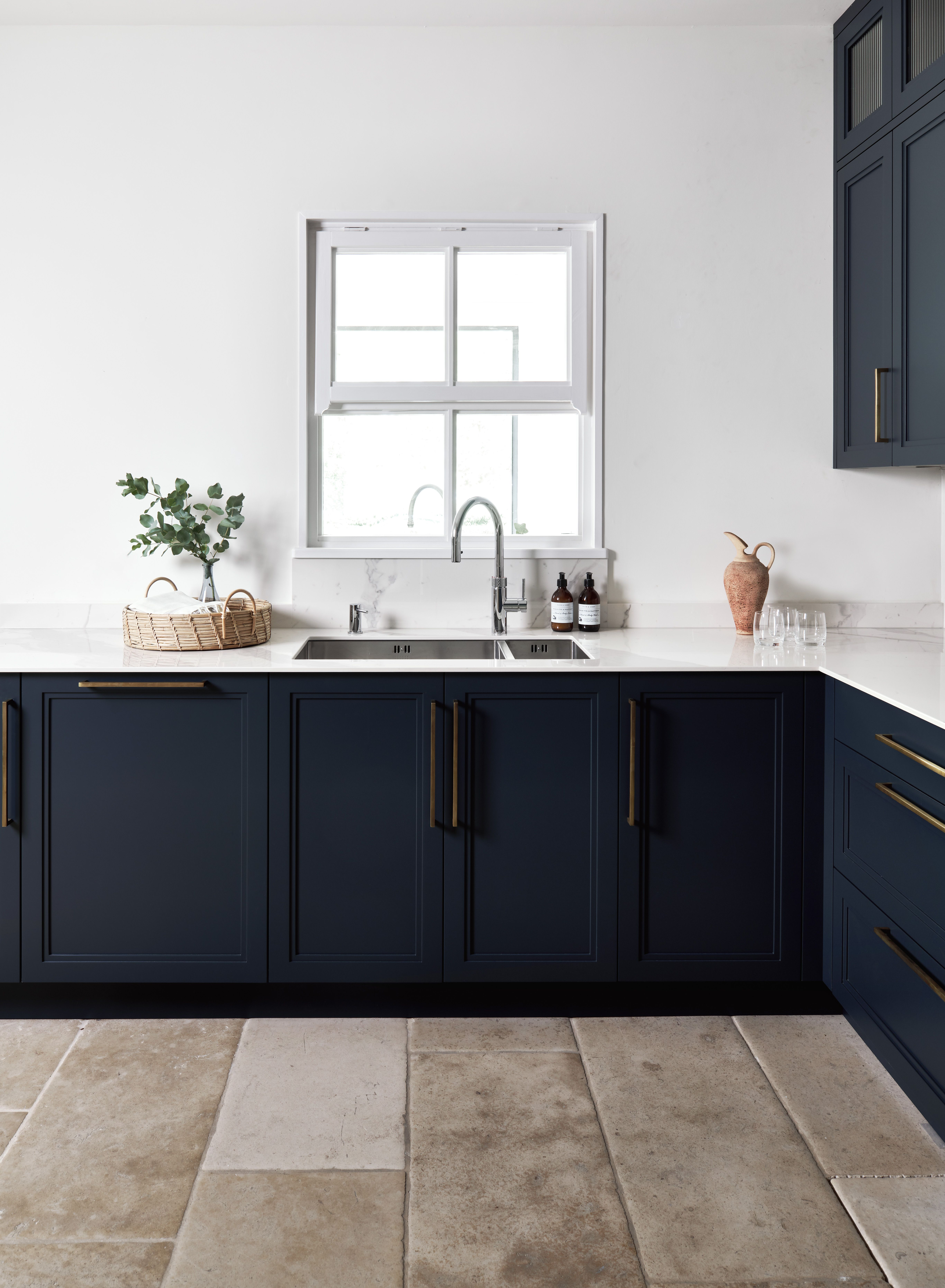 Spray Painted Contemporary Shaker Kitchen Cottage Kitchen Cabinets Kitchen Design Kitchen Cabinet Styles
