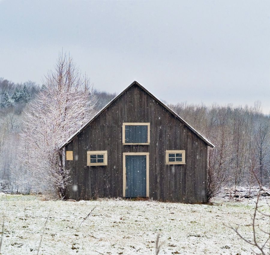Barn Cabin In Quebec Canada Submitted By Ian Brochu