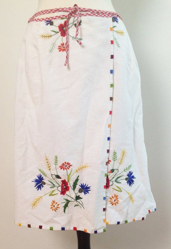 White Cotton Wrap Apron Skirt by Janie's of Miami. Floral Embroidery. Red/Yellow/Green/Yellow/Browns. Gingham Waist. Vintage Fabric. Summer #floralembroidery